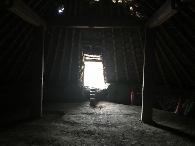 村長の家の中