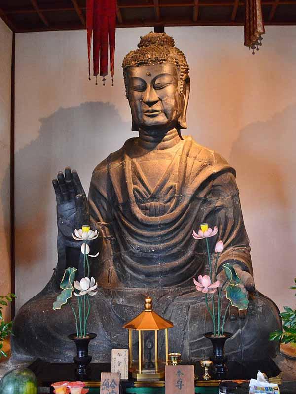飛鳥寺 銅造釈迦如来坐像